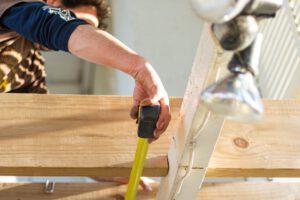 Co zapewnia ubezpieczenie firmy budowlanej?